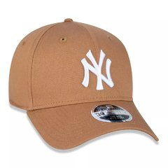 Boné New Era MLB 39Thirty New York Yankees Bege MBV17BON206