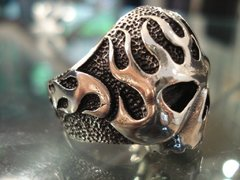 Anillo Fire Skull en internet