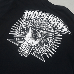 CAMISETA INDEPENDENT RIPPED PRETA - O.W.L Store