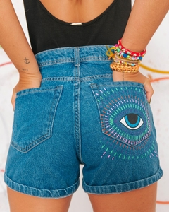 Imagem do shorts mom jeans eyes