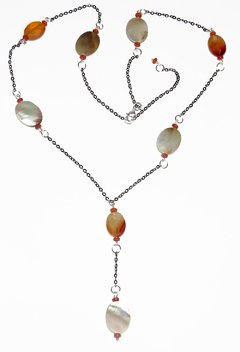Sabrina necklace with jade, agate and mother of pearl