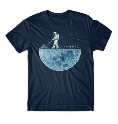Camiseta Astronaut Weeding The Moon - comprar online
