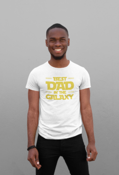 Camiseta Best Dad in The Galaxy na internet
